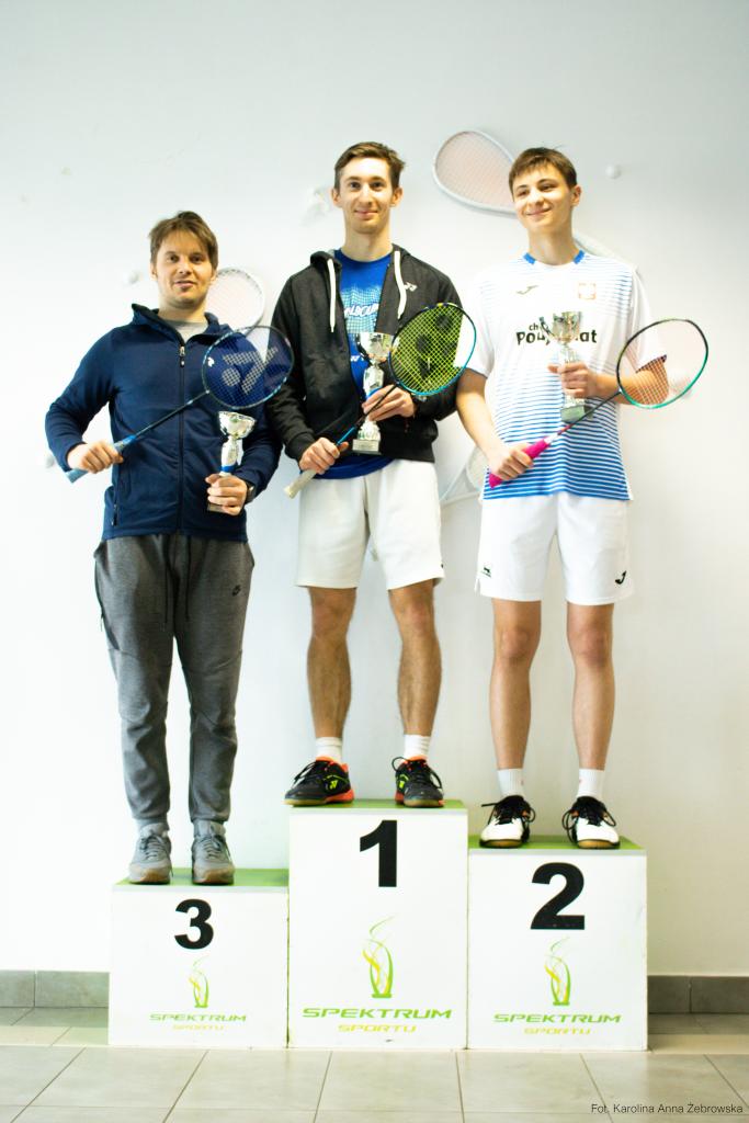 podium-turniej-badmontona-warszawa-legionowo-spektrum-sportu